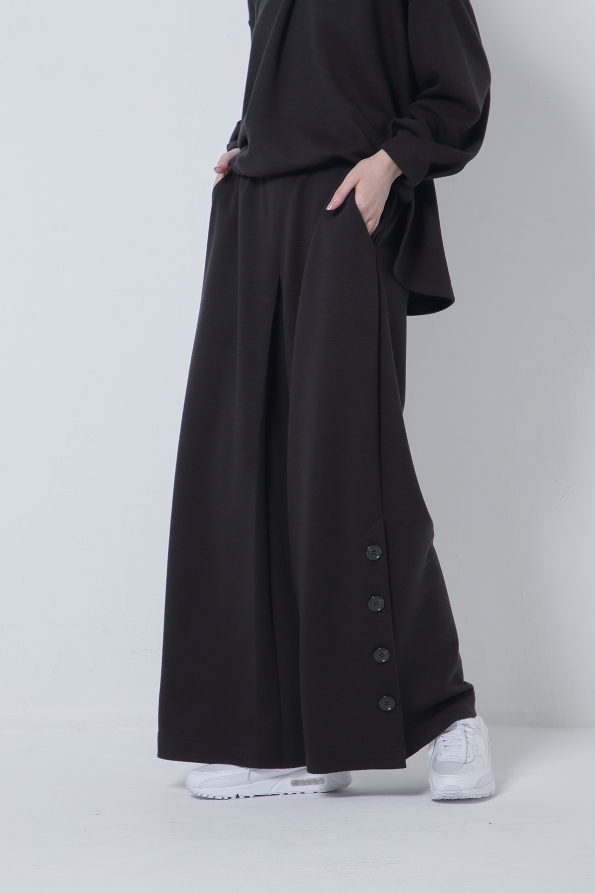 BO205722-black Thermos Middle Ponte Square Tack Wide Relaxing Trousers  -BLACK-【BO205722】Del.Oct.