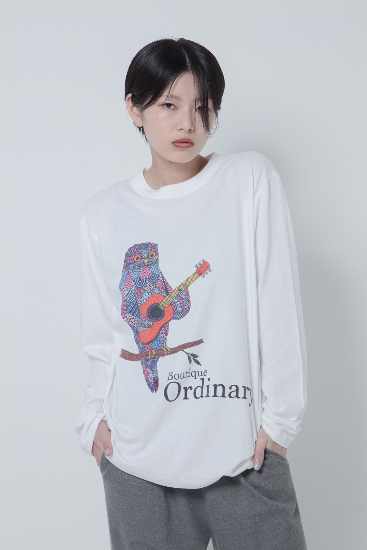 BO205731-white Ordinary Meets Mulga the artist CrewNeck Long SleeveT -WHITE-【BO205731】
