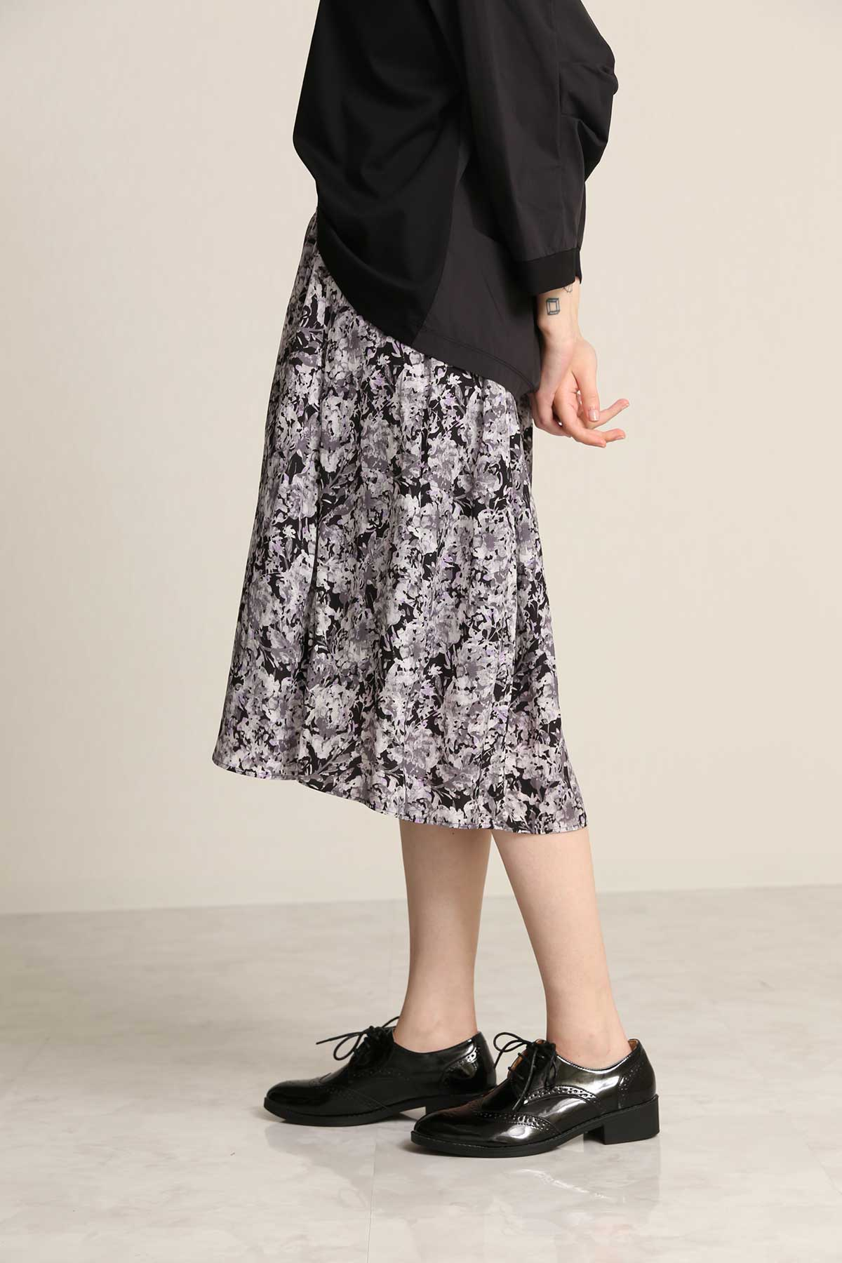 BO21-115K-black Flower-Print Egg Skirt-BLACK-【BO21-115K】